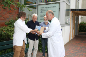 Spendenübergabe an Rendsburger Kinderklinik